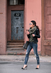 extra petite,blogger,jacket,scarf,sweater,jeans,shoes,bag,handbag,high heel pumps,pumps,black leather jacket,winter outfits,tumblr,grey sweater,denim,blue jeans,ripped jeans,black jacket,leather jacket,pointed toe pumps,black heels,sunglasses,mirrored sunglasses