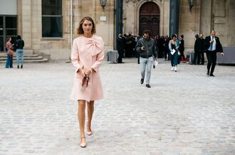 coat fashion week street style fashion week 2016 fashion week paris fashion week 2016 pink coat bow flats pink shoes streetstyle