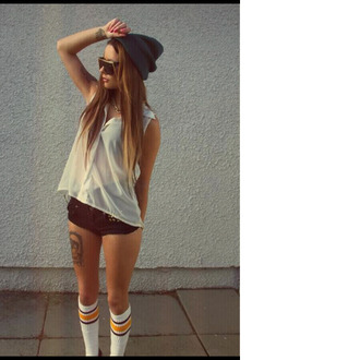 blouse white sleeveless hipster normal chiffon shorts hat sunglasses underwear shirt beenie socks cute tattoo blue black studded shorts cut off shorts beanie pants bonnet fashion trendy summer skater skateboard