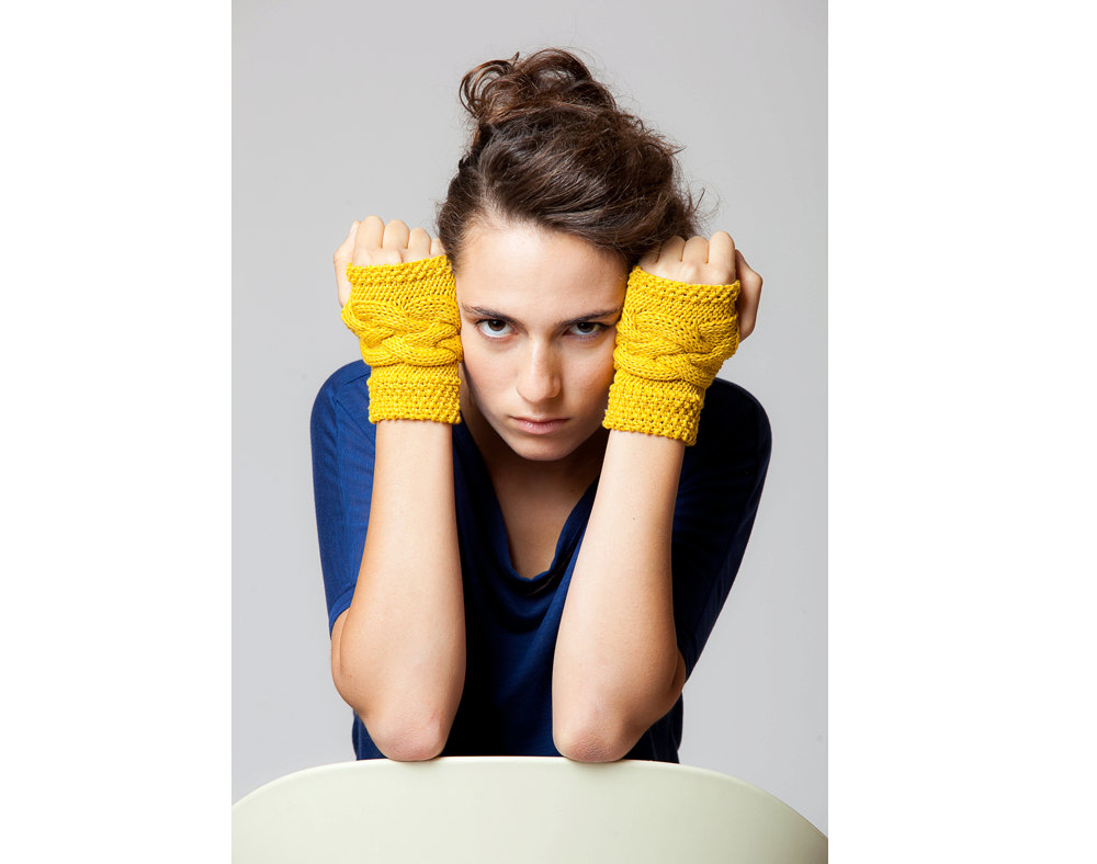 Hand knitted gloves, Fingerless, Wristlets