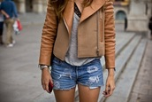 jacket,brown jacket,shorts,bi-material jacket,beige,beige jacket,leather jacket,biker jacket