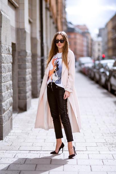 kenza coat t-shirt pants shoes jewels