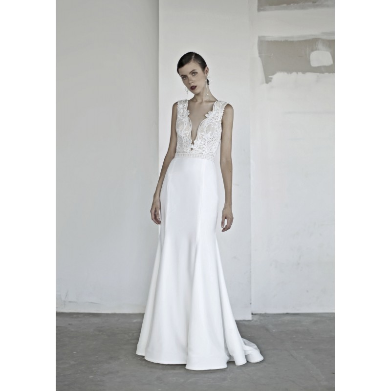Oui the Label 2017 Jagger Jumpsuit Elegant Chapel Train Ivory Sleeveless V-Neck Sheath Satin Embroidery Dress For Bride - Bonny Evening Dresses Online