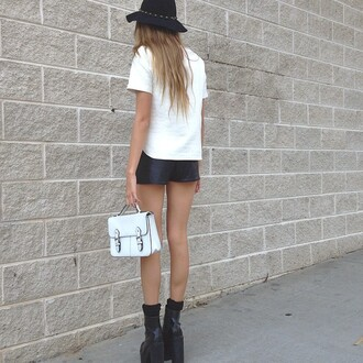 white bag bag white