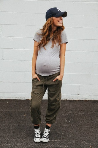the day book blogger shoes t-shirt maternity pants hat cargo green pants joggers pants green cargo