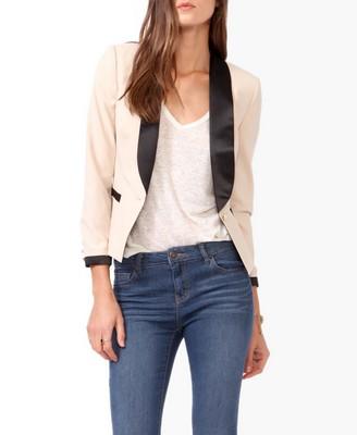Contrast trimmed blazer