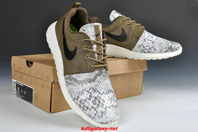 cyxbfq Buy Online Nike Roshe Runs 2013 Snakeskin Tarp Green White $63.29