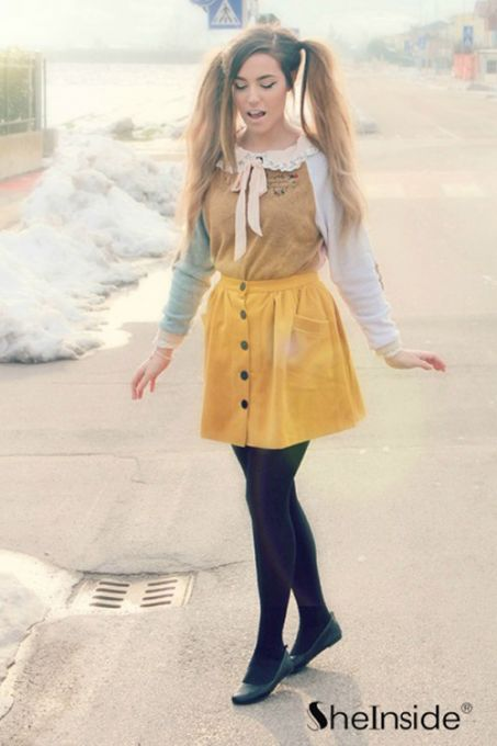 Yellow button fly pockets embellished skirt