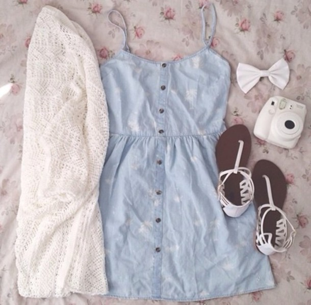 jacket white knit wear cute demin dress girly summer outfits dress shoes hair accessory denim buttons blouse cute dress jean dress lace cardigan white sandals spring outfits sweater coat summer jewels india love blue dress jeans bow jeandress whiecardigan carigan sandals cardigan summer dress blue jean skirt blue cream crochet bows oversized sweater hipster white sweater winter sweater jumpsuit suit girly dress jeans white palm tress on it white cardigan