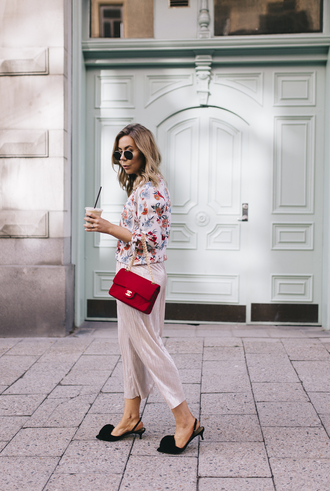 sunglasses floral top red bag tumblr top floral bag pants culottes shoes
