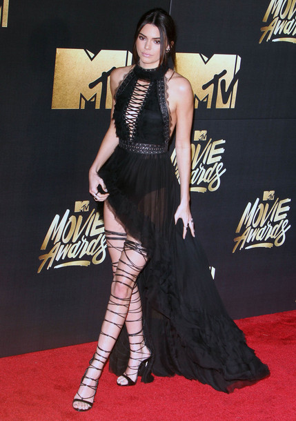 dress, mtv movie awards, black dress, halter dress