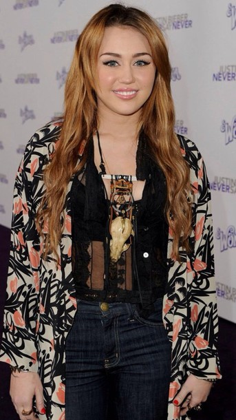 blouse miley cyrus boho spring bohemian black necklace high waisted jeans