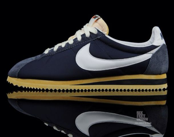 shoes nike shoes nike running shoes classic classics vintage shoes for her vintage steetwear suade shoes suade navy white sneakers cortez original style womens nike shoes roshe runs women girls sneakers