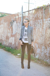 damsel in dior,blogger,jacket,jeans,t-shirt,blazer,white t-shirt,bag,aviator sunglasses,printed blazer,quote on it,black jeans,skinny jeans,mirrored sunglasses