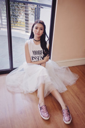 tricia gosingtian,blogger,skirt,top,shoes,printed slippers,slip on shoes,tutu,tulle skirt,white skirt,midi skirt,sleeveless,sleeveless top,quote on it,white top,black choker,choker necklace