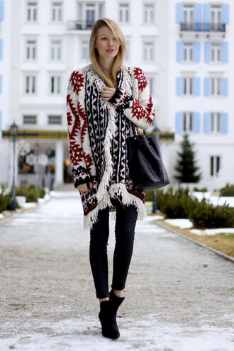 ohh couture blogger knitted cardigan winter outfits leather bag black jeans