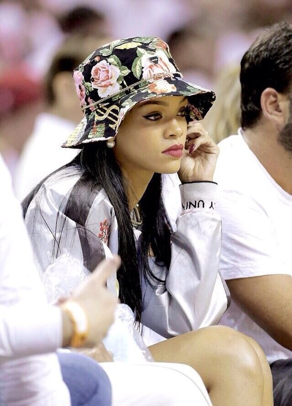 hat flowers rihanna floral floral hat jacket sweater printed bucket hat shirt bucket hat bucket hat cute rihanna pink gold chain rihanna style jewels