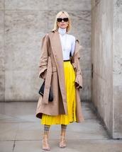 skirt,midi skirt,pleated skirt,turtleneck,sandals,handbag,coat,chain necklace,leggings,checkered