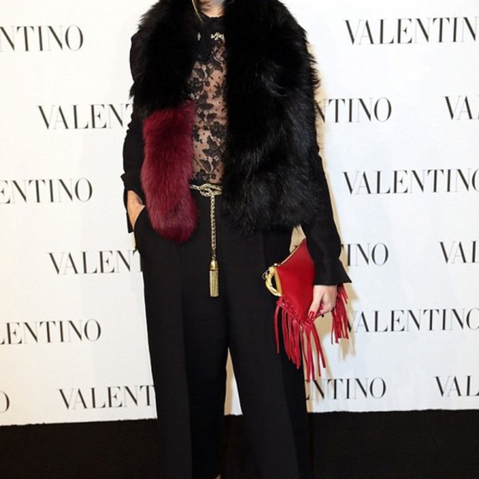 scarf bag shoes pants red bag olivia palermo lace cropped pants fur coat pouch fringed bag scarf red