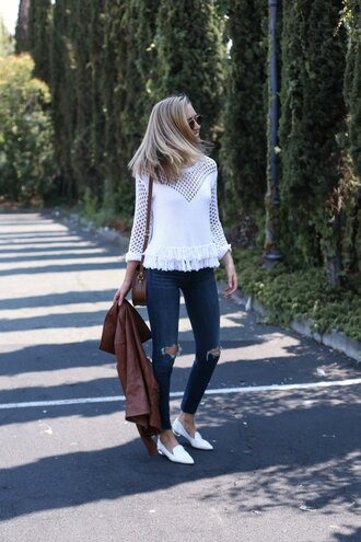 the classy cubicle blogger sweater jeans shoes bag jacket sunglasses white top white lace skinny jeans ripped jeans leather jacket aviator sunglasses white shoes flats long sleeves