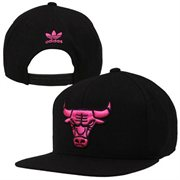 adidas Chicago Bulls Solid Snapback Hat - Black/Neon Pink - NBA Store