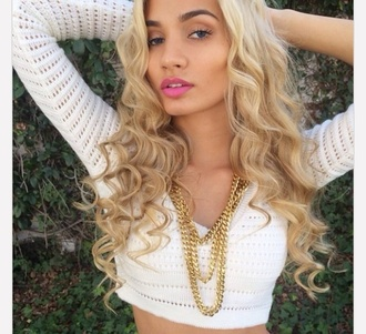 jewels necklace pia mia perez pia mia blonde hair gold gold jewelry gold chain chain shirt