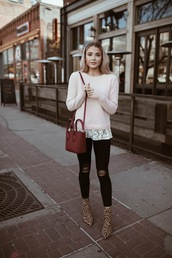 cara loren,blogger,sweater,jeans,shoes,bag,jacket,sunglasses,winter outfits,red bag,ankle boots,boots,black jeans