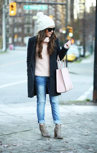 dress corilynn blogger sweater jeans shoes coat hat bag sunglasses