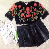 top,black top,black and red,crop tops,crop tops embrodering,black crop top,black,laced black top,embroidered,roses