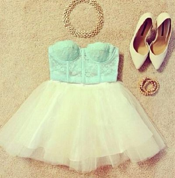 shoes crop tops light blue dress gold chain pointed toe teal crop tops flowy skirt cute outfits skirt bag shirt jewels jumpsuit crop tops shorts top blue crop top blue top crop