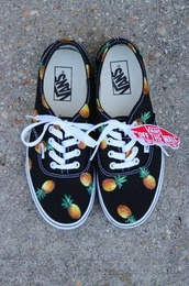 shoes,vans,pineapple,black,cute,tennis shoes,skate shoes,off the wall,sneakers,weheartit,girly,sporty,fashion,funny,with pineapple,lovely,print,cool,pretty,tumblr,tumblr girl,tumblr shoes,tumblr clothes,pinapples,hipster,pineapple print,vans of the wall,pineapple shoes,ananas,lovely pepa,grunge shoes,printed vans,pineapple black vans,fruity,offthewall,pineapple vans