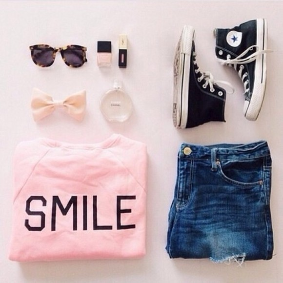 outfit converse sunglasses cute bows girly short shorts sweater pink chanel shorts ootd white peach High waisted shorts denim shorts High waisted shorts pink sweater smile shirt nail polish jumpsuit