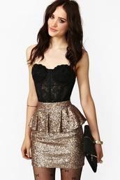skirt,corset top,lace,lace top,glitter,gold,underwear,pretty,shorts,blouse,tank top,black,corset,top,shirt,bralette,gold sequins,peplum,hose,bows,t-shirt,dress,sequins,fashion,classy,shiny,girly,sexy,peplum skirt,black lace,gold skirt,black lace bustier,brillante,jupe,robe,glitter skirt,sparkle,sequin dress,holiday season,bustier,black corset,back lace and gold skirt,glitter dress,new year's eve,sequin skirt,gold sequin shirt,black and gold dress,peplum dress,peplum skirts,lace bustier