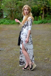 dress,tie dye,side split,maxi dress,jersey,grey,white,fashion blogger,Pop Couture