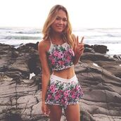 shorts,floral,blouse,top,wehre to get this outfit ?,summer,girl,flowers,set,crop tops,cami,shirt,dress,coord,co-ord,two-piece,top and shorts,gypsy,boho,jumpsuit,multicolor