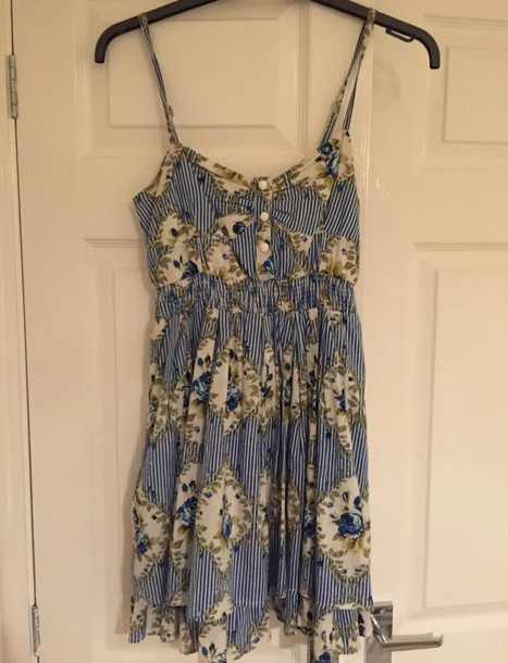 Size 8 white dress blue