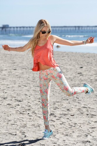 t-shirt pants shoes sunglasses jewels bag flowers white rose pink yellow green floral pants floral jeans summer summer pants floral jeans skinny pants flowered cute cute outfits nice nice outfit girly outfits tumblr girly floral pattern floral panties shirt