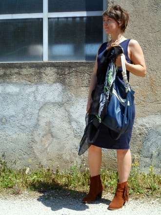funkyjungle blogger shoes bag tank top dress scarf blue dress ankle boots