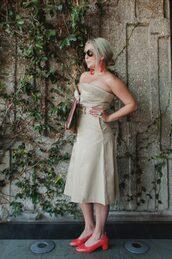 katwalksf,blogger,dress,bag,jewels,shoes,sunglasses,red shoes,mid heel pumps,midi dress