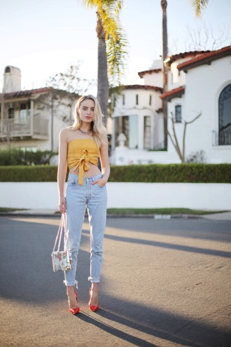 class is internal blogger jewels bag crop tops yellow top cropped jeans red heels