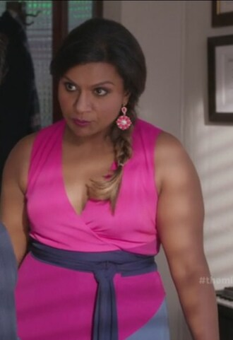 dress pink and purple colorblock wrap dress earrings mindy kaling mindy lahiri the mindy project crepe drop earrings jewels curvy