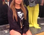 sweater,jet black,drake,sweatshirt,instagram,gold chain