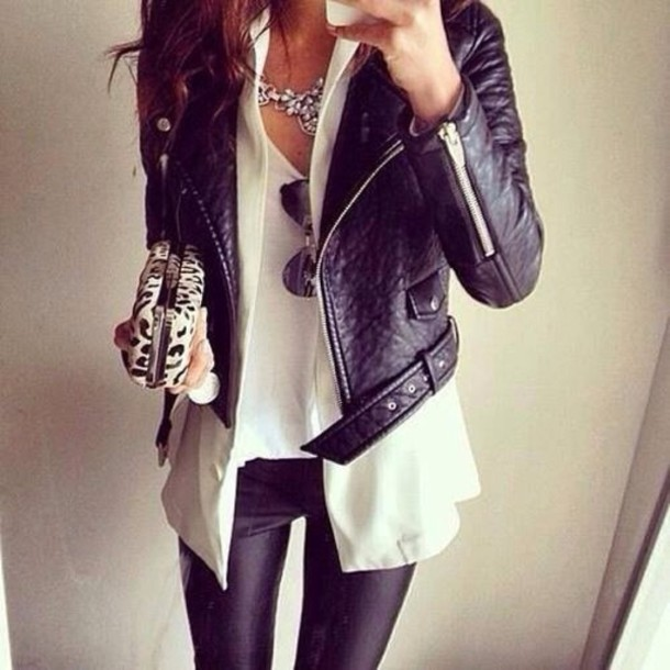 jacket jewels bag black perfecto leather jacket girly wishlist coat chic babe sunglasses blouse style leggings black leather jacket black jacket girl luxury leopard print modern leather pants white shirt necklace white tee white top top t-shirt girly clutch clutch wet look leggings black friday cyber monday pants cardigan tank top white tank top white