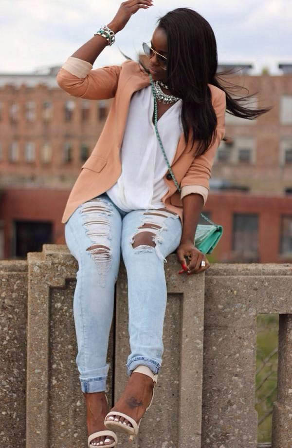 jeans peach ripped jeans spring outfits light blue skinny jeans blazer jacket shoes sunglasses