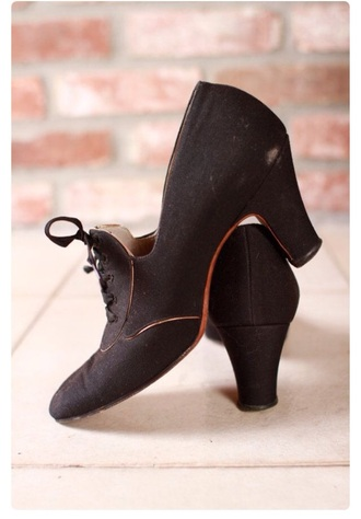 shoes dark black 90s style 80s style vintage women's fashion style