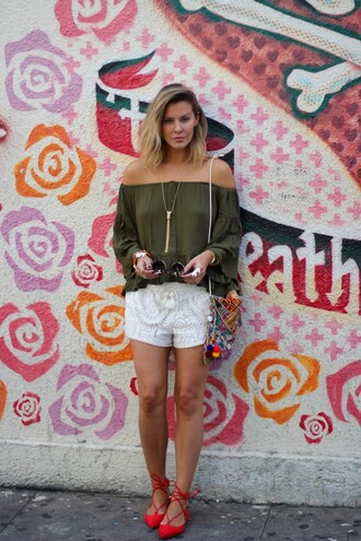 the courtney kerr blogger top shorts bag shoes jewels sunglasses