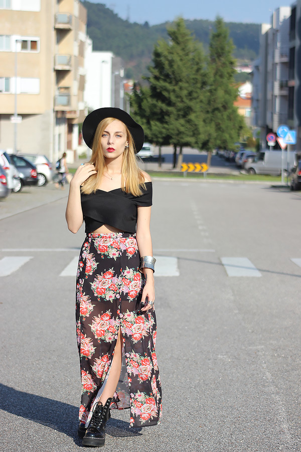the black effect blogger top