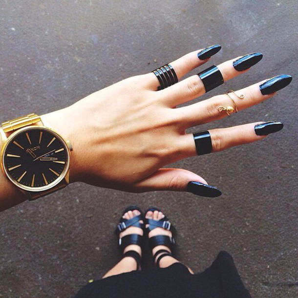 jewels nixon watch watch gold black nixon black and gold watch black watch black rings knuckle ring black midi rings finger cuff