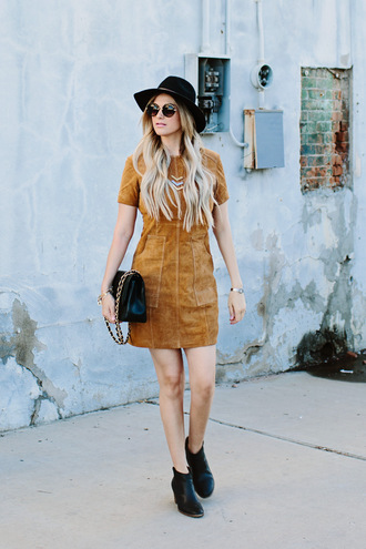 a little dash of darling blogger dress bag shoes sunglasses hat jewels
