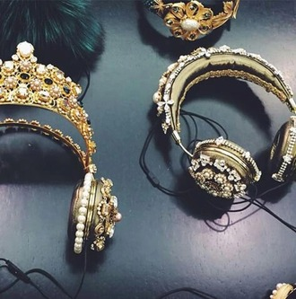 earphones gold glamour royalty vintage luxury